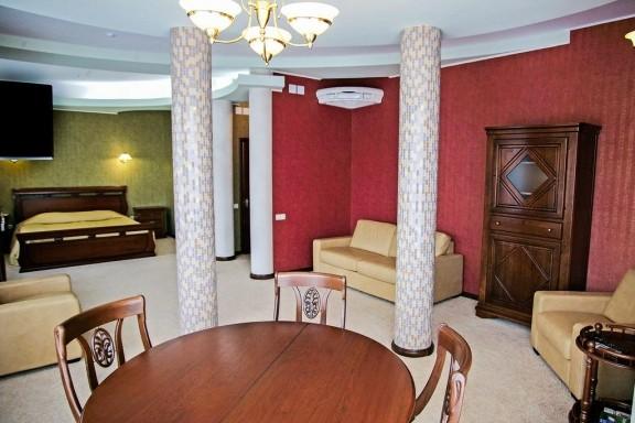 Номер Люкс-студио в отеле Херсона