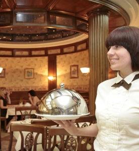 Ресторан в отеле «Дилижанс» в центре Херсона